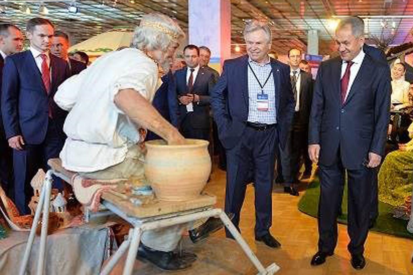 Холмские мастера представили самобытную историю казачьего региона в Москве