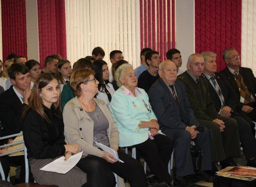В Абинске отметили столетие Октябрьской революции
