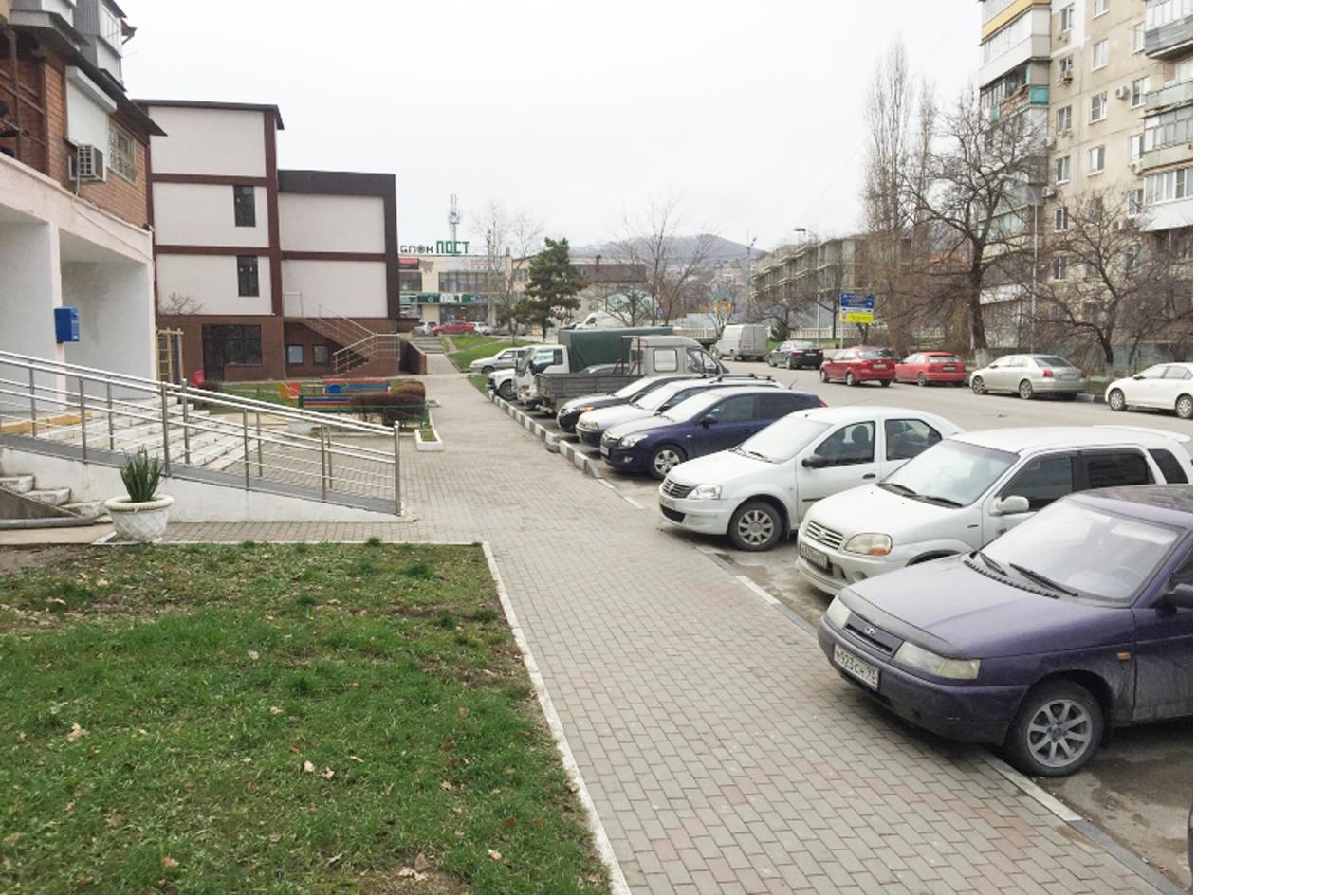 Активисты ОНФ выявили в малых городах Кубани проблемы с организацией парковочных мест