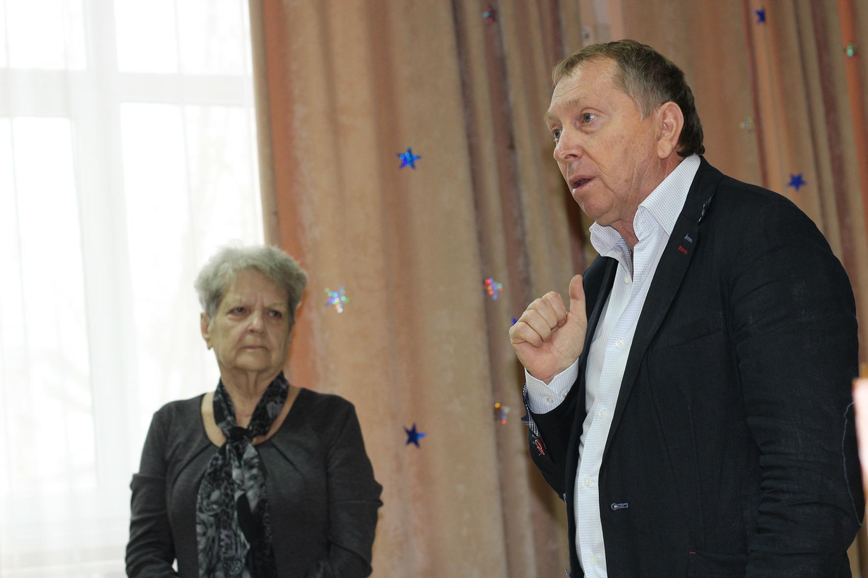 Депутат ЗСК провел урок для старшеклассников абинской школы