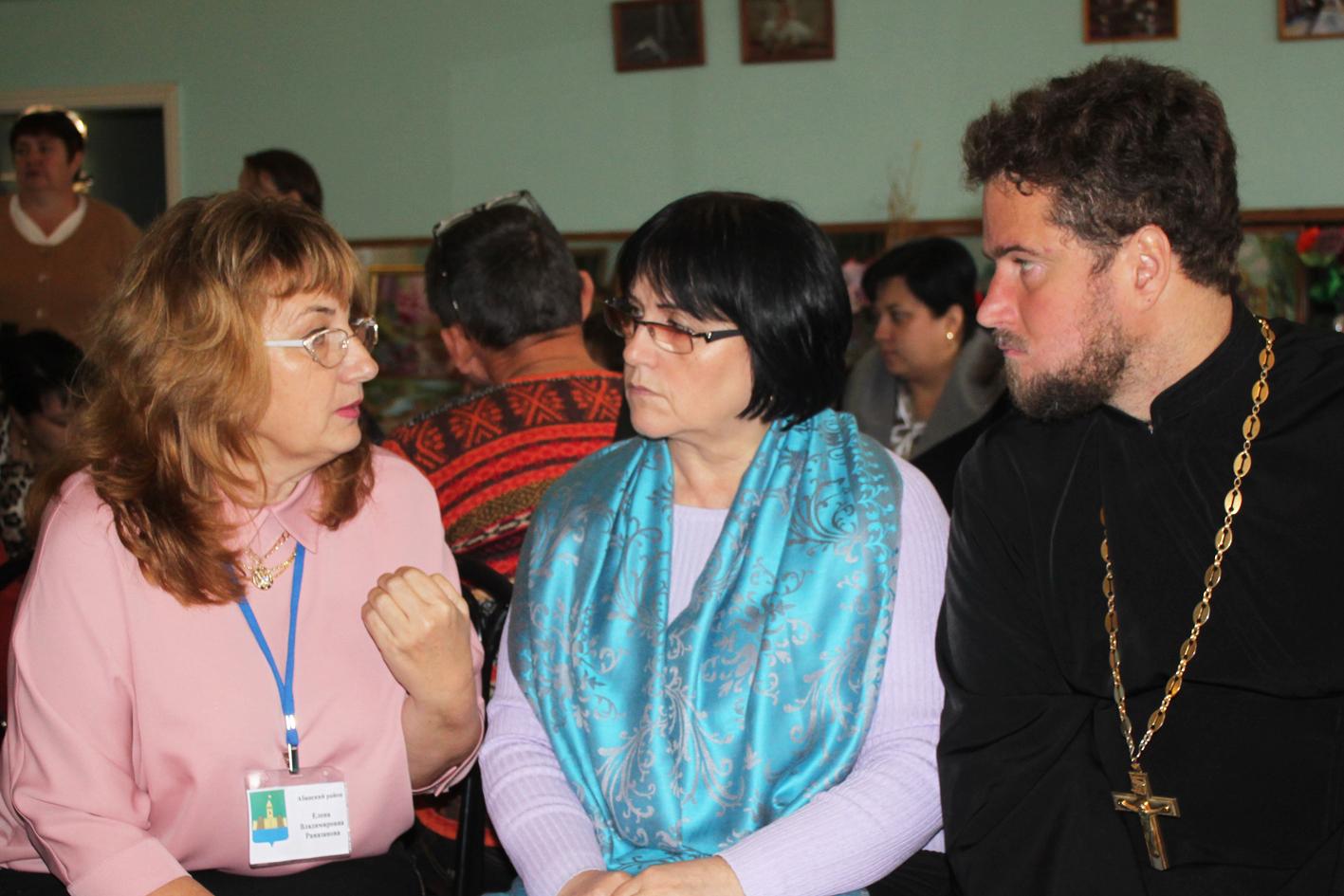 Вопросы воспитания «особенных» детей обсуждали на зональном совещании в Абинске