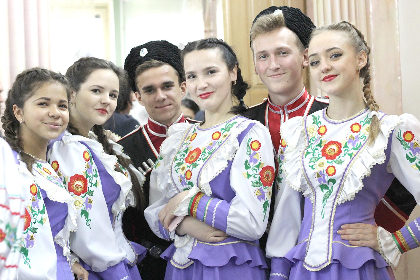 В Абинске выбирали лучших казака и казачку Кубани