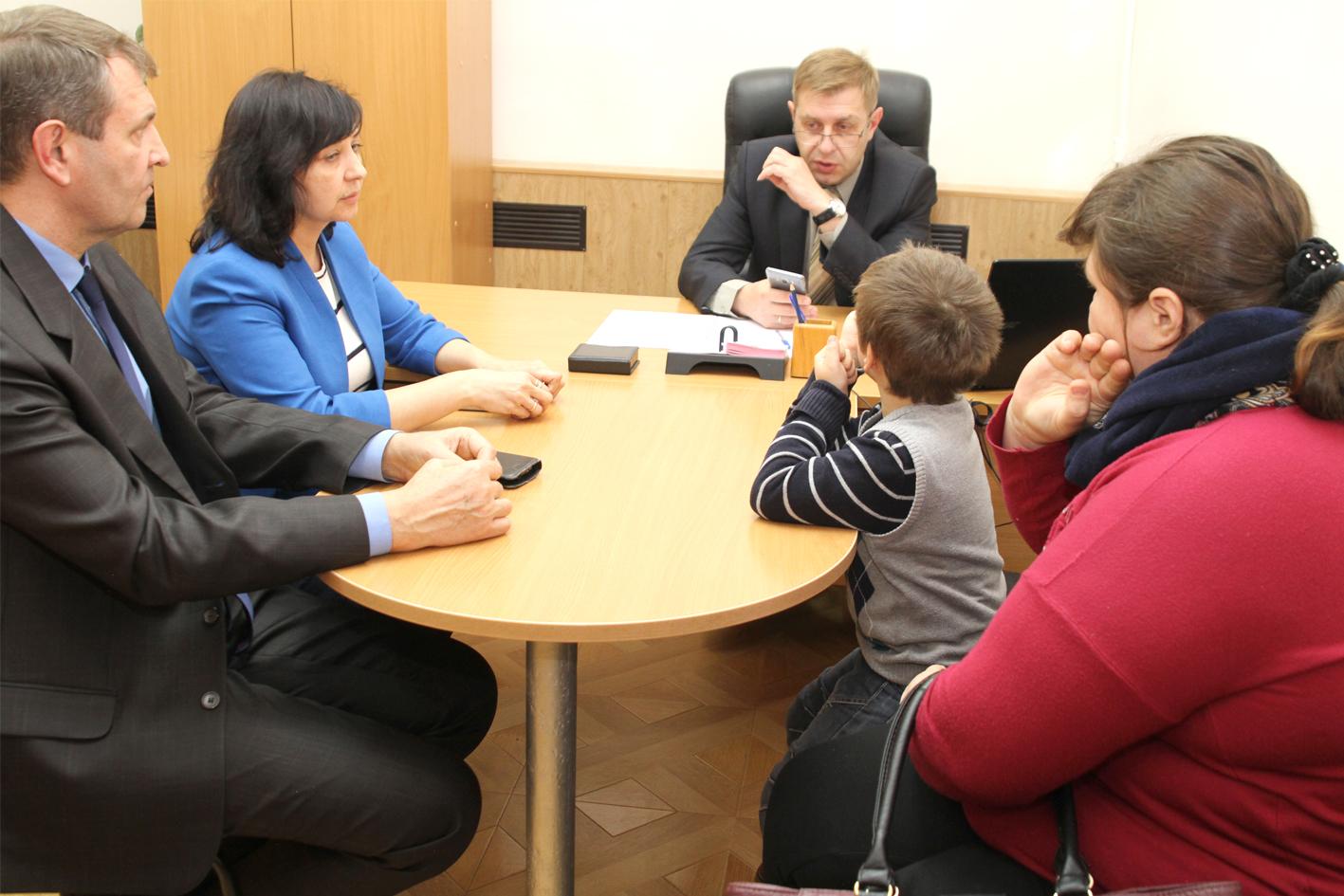 В Общероссийский день приема граждан в администрацию Абинского района обратились жители Ставрополья