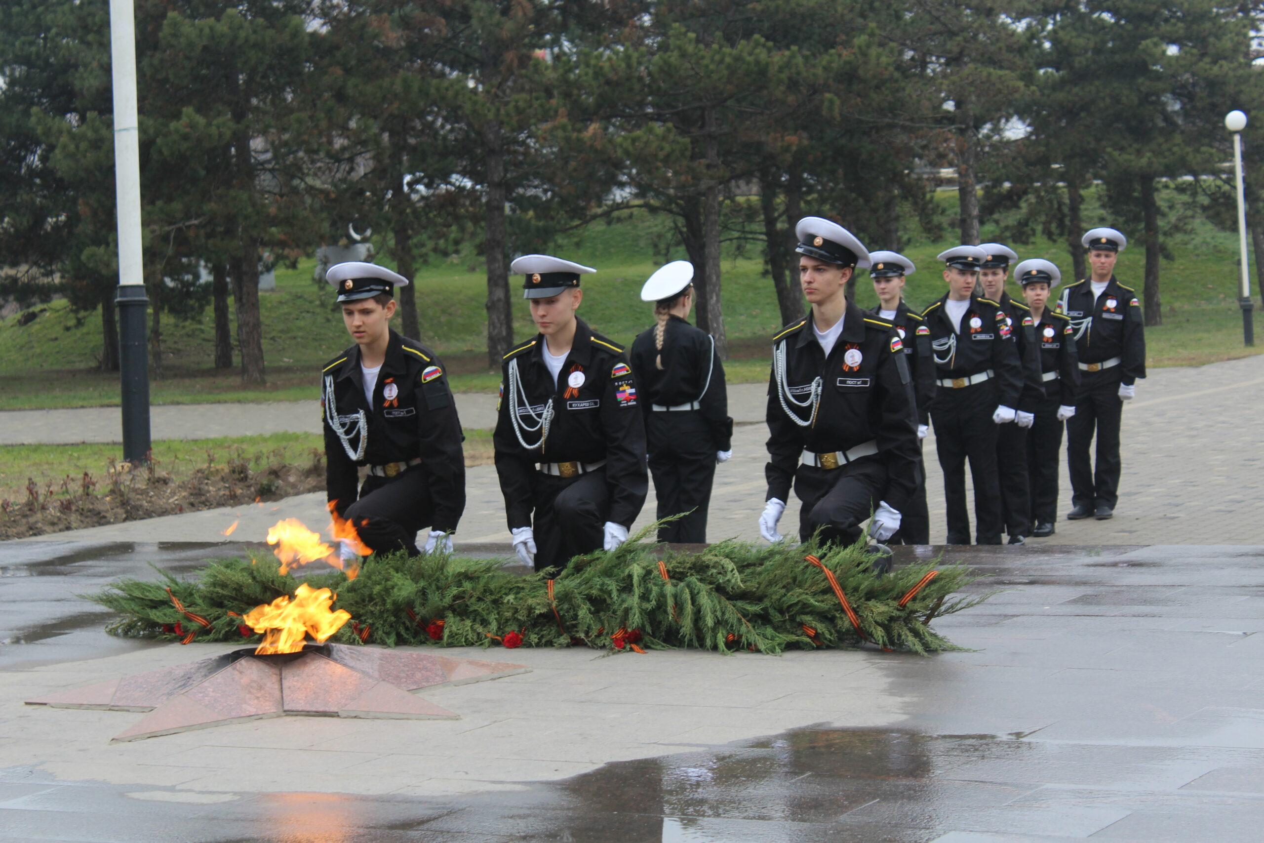 В Абинском КДЦ прошло открытие традиционного месячника оборонно-массовой и военно-патриотической работы