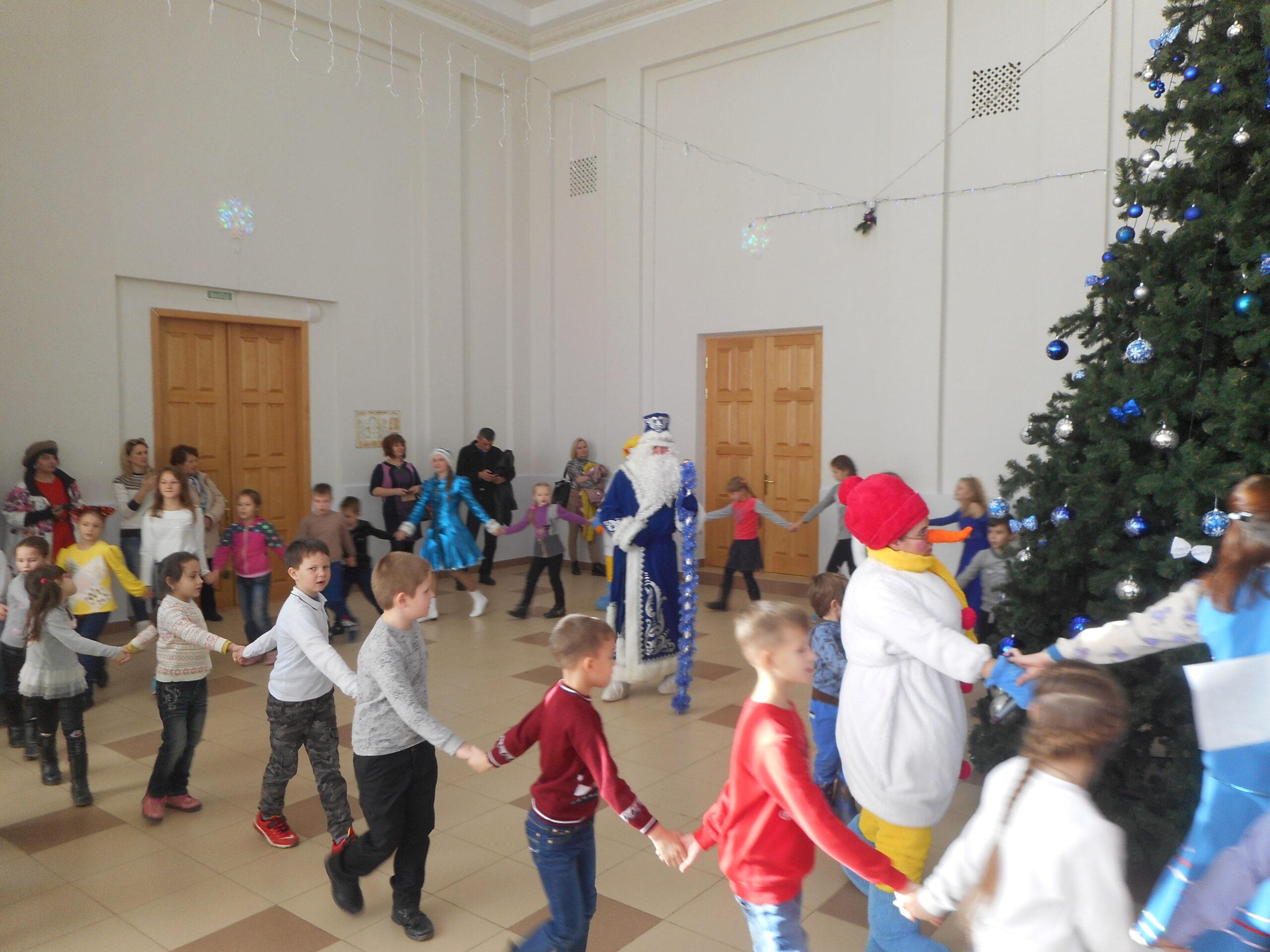 Атаманская ёлка для детей и родителей прошла в поселке Ахтырском