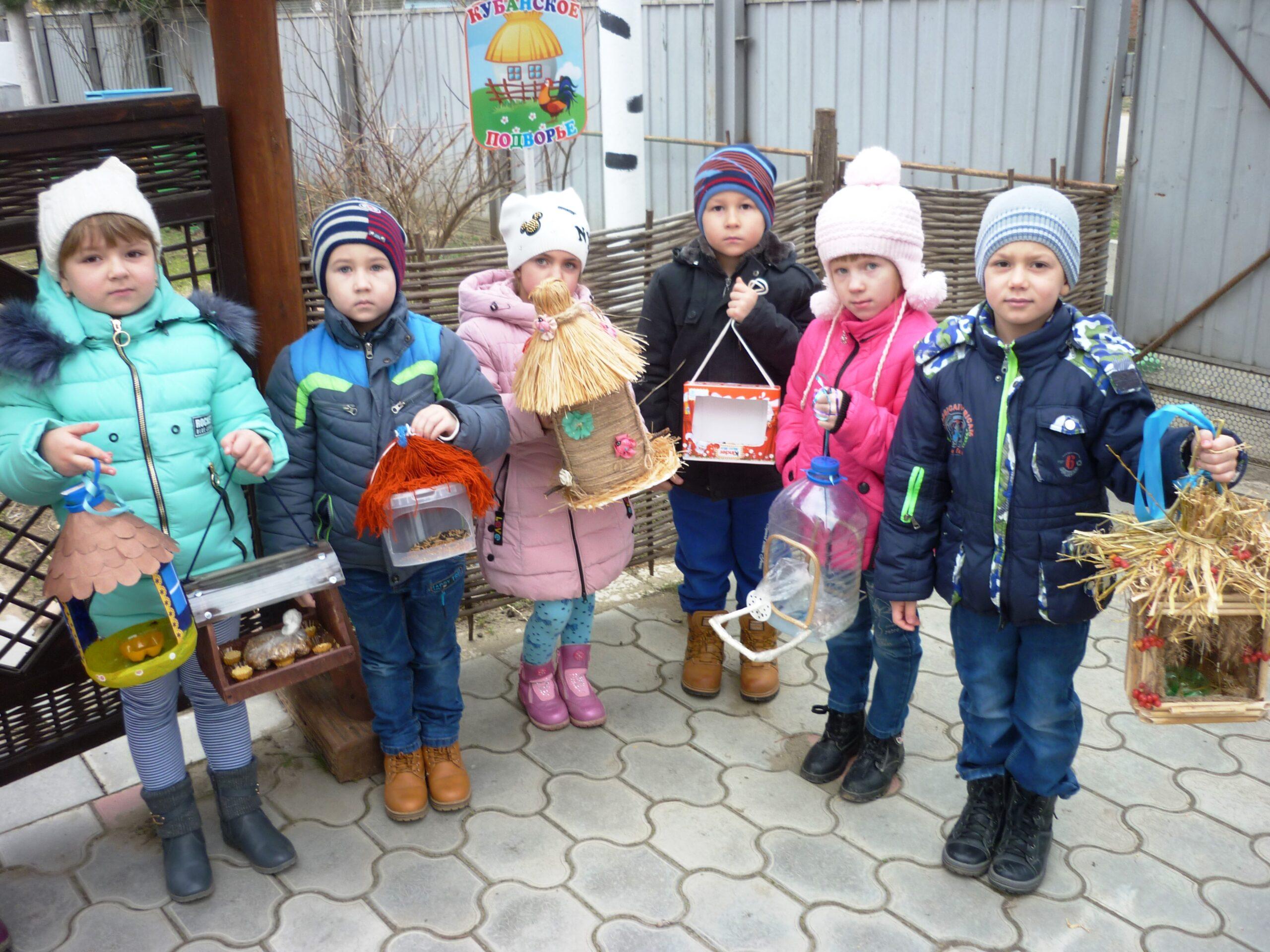 Родители и воспитанники детского сада «Искорка» проявляют заботу о пернатых