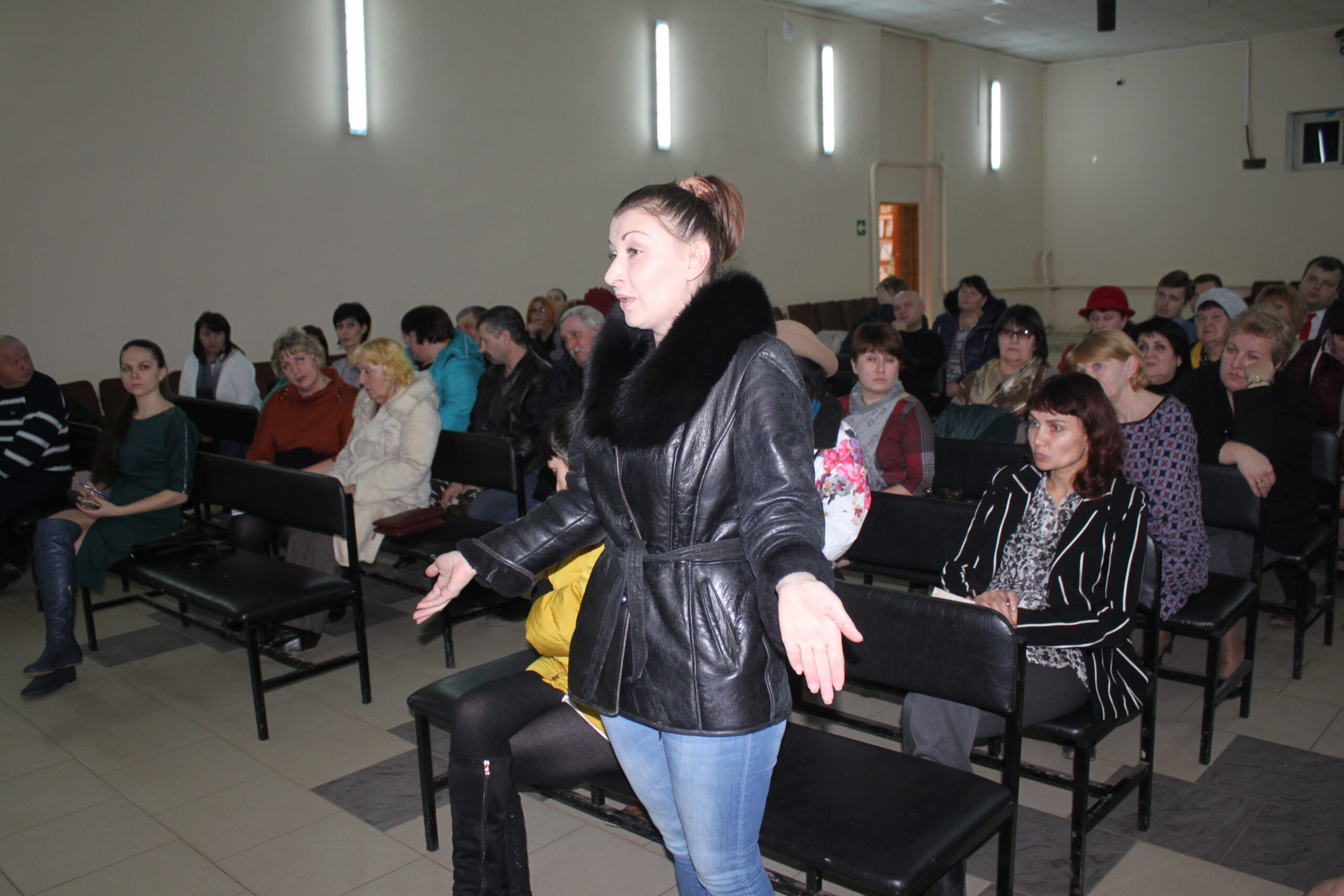 В поселке Ахтырском состоялась встреча жителей с представителями администрации Ахтырского городского поселения и администрации МО Абинский район