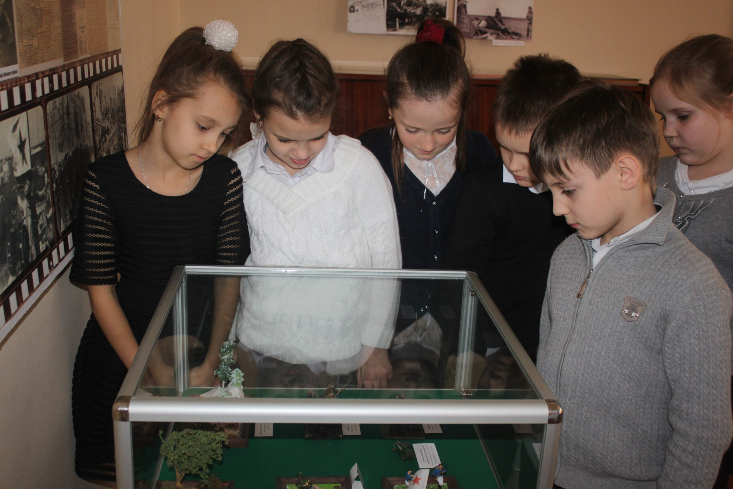 В музее Абинского района открылась выставка, посвященная Великой Отечественной войне