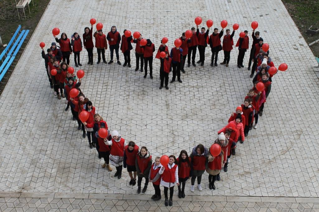 Ахтырские школьники приняли участие в районном флешмобе