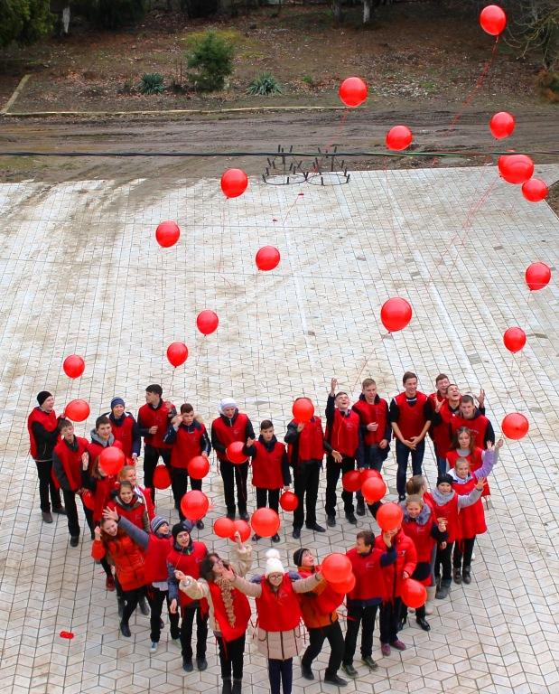 В Абинском районе волонтеры собрали деньги на лечение детей с онкозаболеваниями