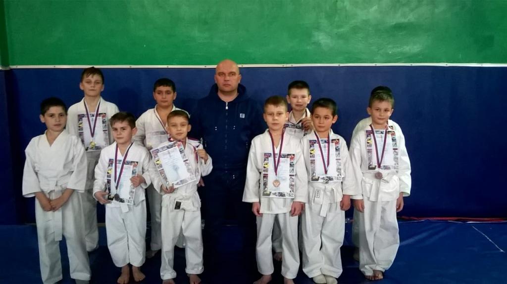 Казачата Абинского района заняли девять призовых мест в краевом турнире по всестилевому каратэ