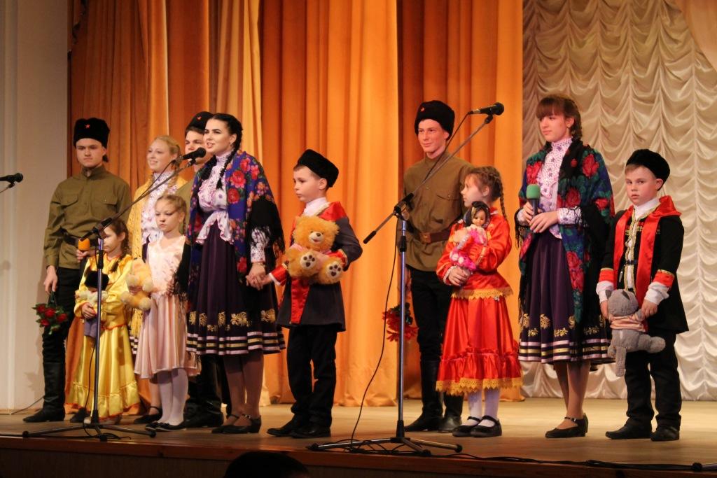 В Ахтырском прошел полуфинал районного фестиваля детского творчества классов казачьей направленности