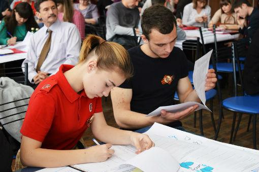 «Бессмертный полк» в Абинске собрал более шести тысяч участников