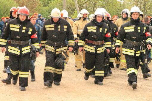 Абинские пожарные передали эстафетный ствол – символ пожарной охраны крымчанам