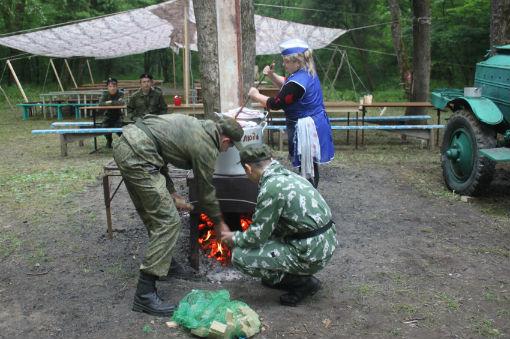 В Абинском районе проходят полевые учебные сборы для десятиклассников