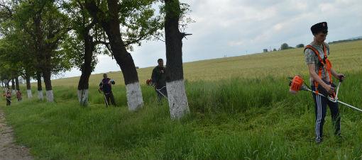 Казаки Абинского района активно участвуют в благоустройстве своих поселений