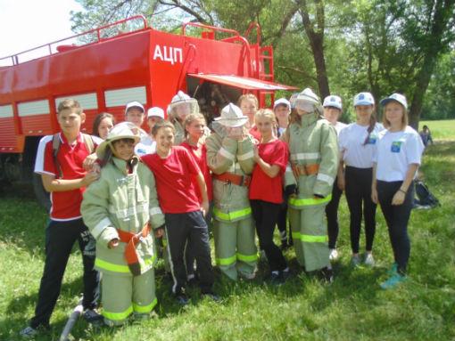 В Абинске прошел районный фестиваль школьного ученического самоуправления «За Россию болеть наступил наш черед!»
