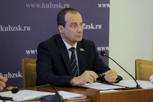 Депутаты ЗСК рассмотрели текущую ситуацию в агропромышленном комплексе края
