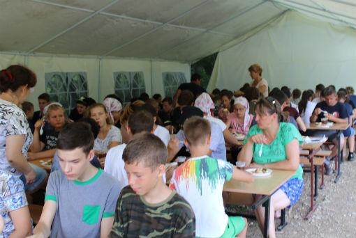 В Абинском районе работает палаточный лагерь «Казачок»