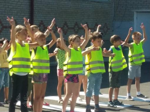 В Абинске полицейские, общественники и юидовцы присоединились к акции «Марафон детской дорожной безопасности»
