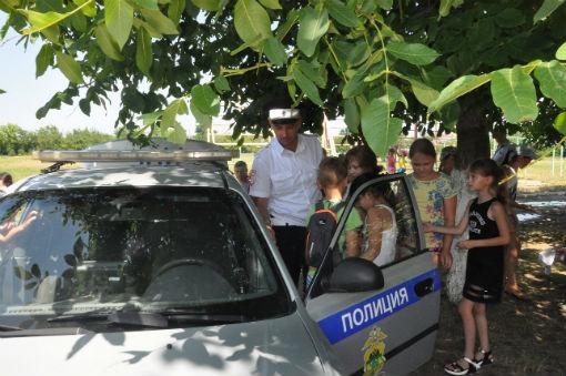 Абинские школьники побывали в роли инспекторов ДПС