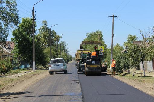 Около двух млн рублей ушло на асфальтирование дороги в станице Федоровской