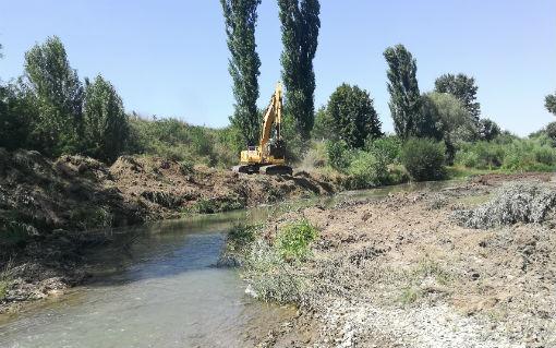 В черте города началась расчистка русла реки Абин