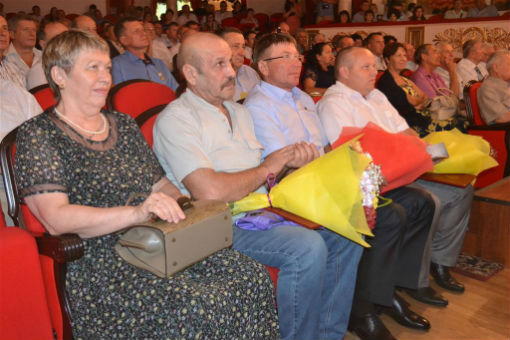Депутаты ЗСК поздравили строителей с профессиональным праздником