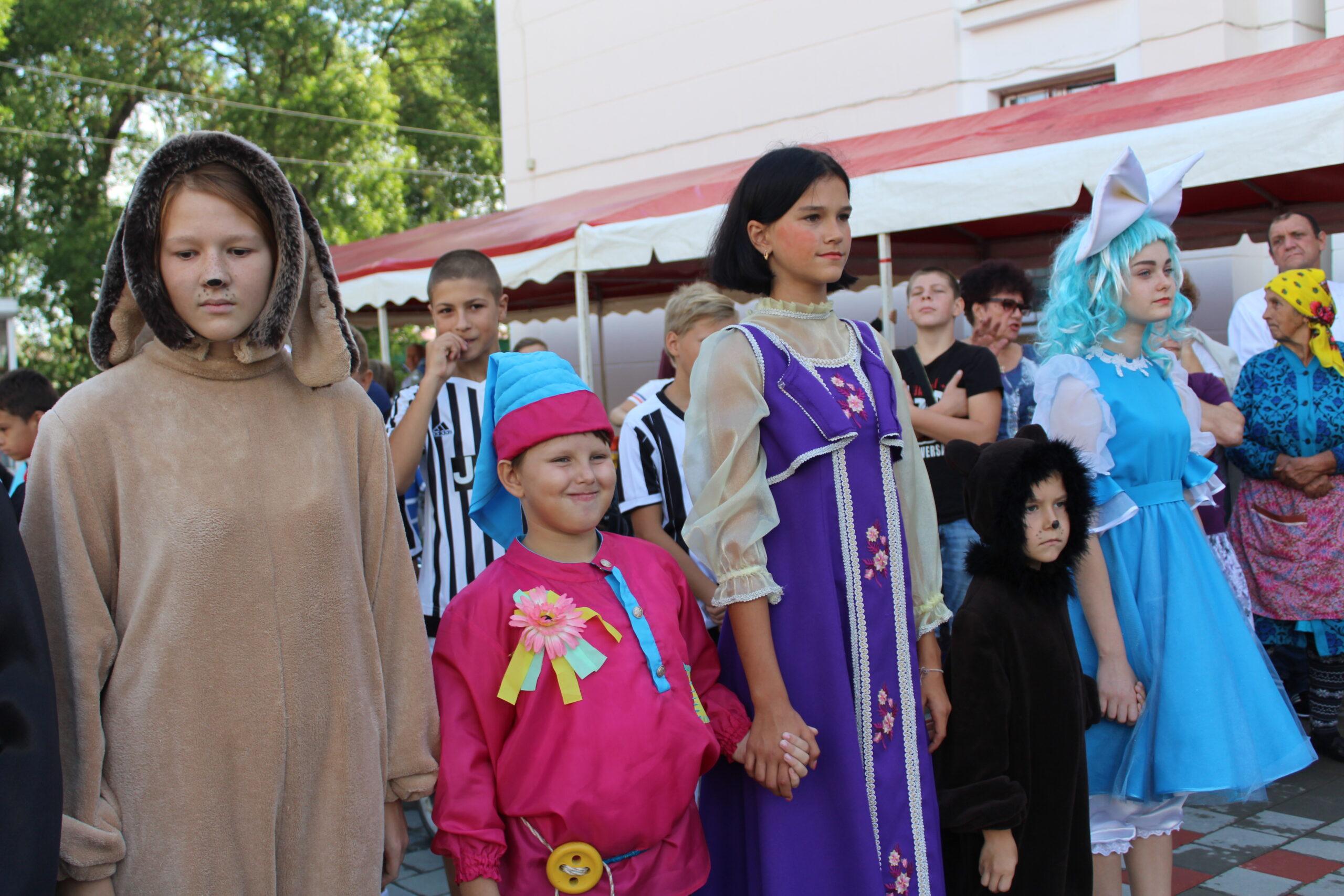 В поселке Ахтырском Всемирный день красоты отметили фестивалем