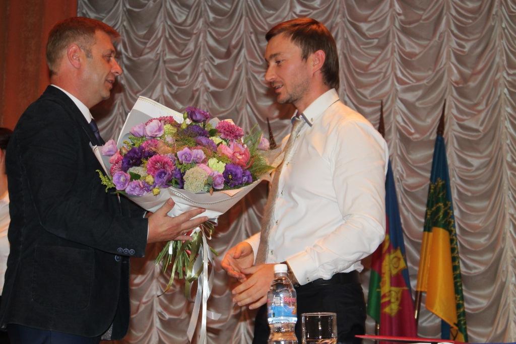 Анатолий Скуратов вступил в должность главы Ахтырского городского поселения