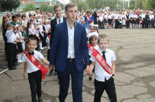 Школа-юбиляр встретила учеников