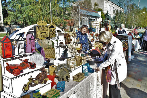 В честь дня рождения города в Абинске прошла ярмарка