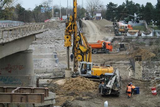 Железнодорожный мост в Армавире отремонтируют уже к Новому году