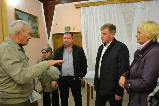 Исполняющий обязанности главы Абинского городского поселения проводит встречи с жителями
