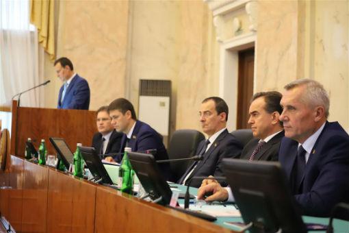 Депутаты ЗСК приняли бюджет края в первом чтении