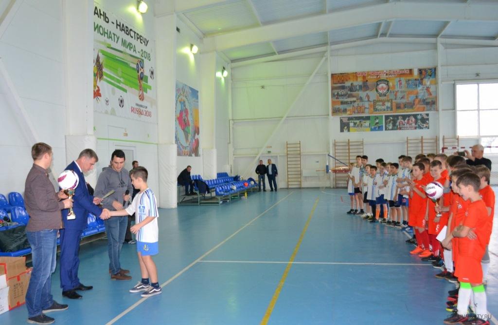 В Абинске прошел новогодний турнир по мини-футболу на призы главы городского поселения
