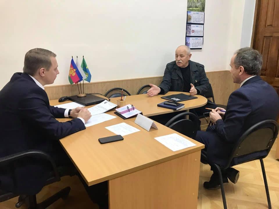 Исполняющий обязанности главы Абинского района провел личный прием граждан