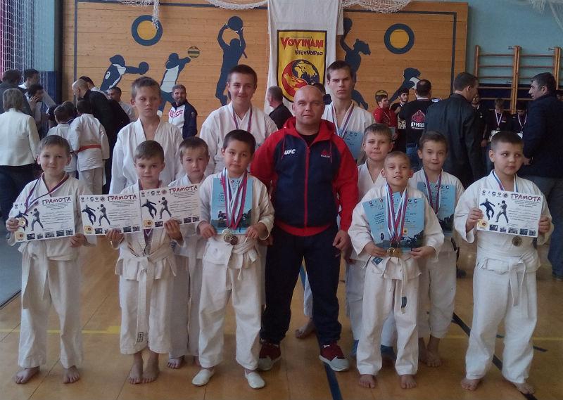 Команда «Кремень» из поселка Ахтырского заняла третье место в открытом турнире по всестилевому каратэ