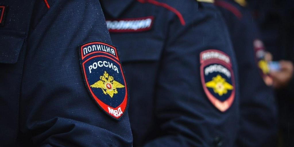 Сотрудники органов внутренних дел разъясняют правила поступления в Краснодарский университет МВД России