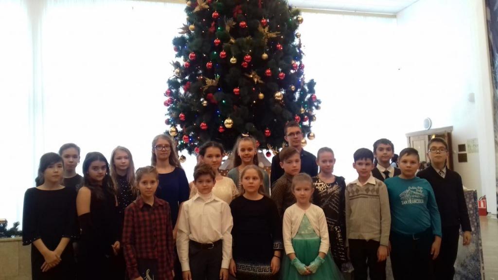 Лучшие школьники из Абинского района побывали на елке в ЗСК