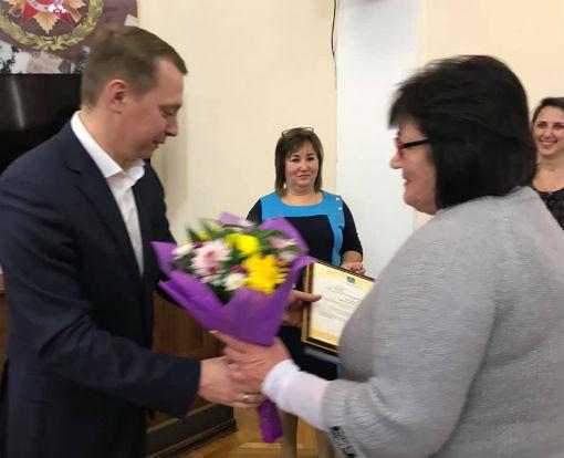Исполняющий обязанности главы Абинского района вручил благодарности руководителям предприятий