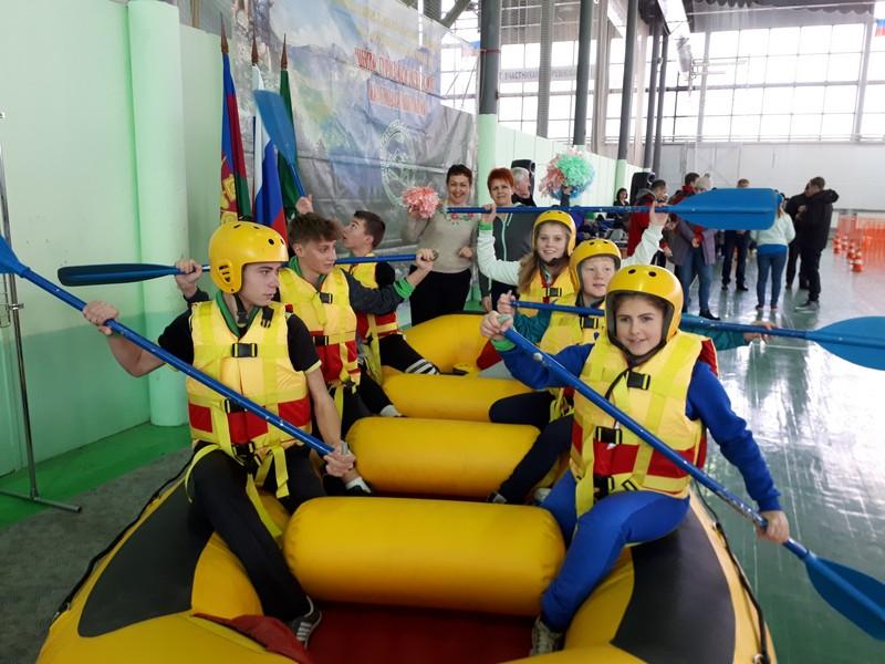 Шесть школьников из Абинского района участвовали в краевом фестивале «Туризм без границ»
