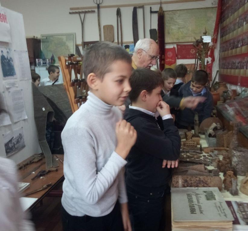 Ахтырским четвероклассникам рассказали о традициях в казачьей семье