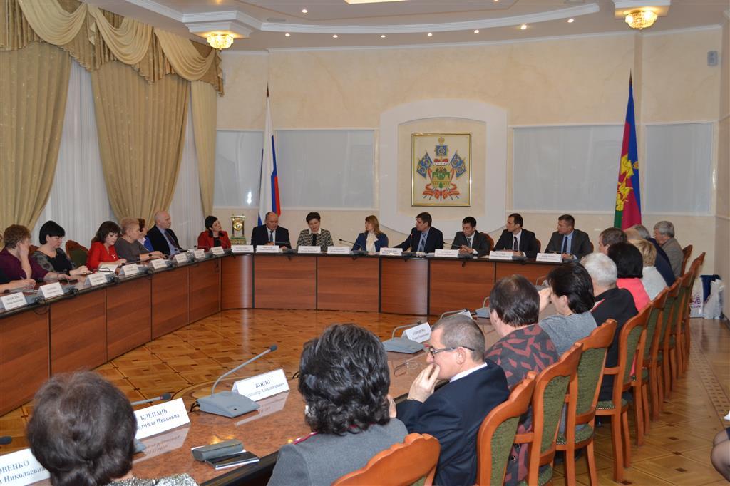 Профильный комитет ЗСК отчитался о работе в 2018 году