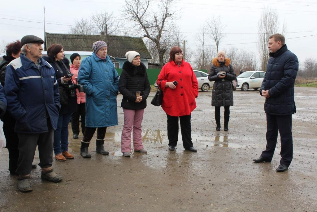 Глава Абинского района провел встречу с жителями хутора Васильевского