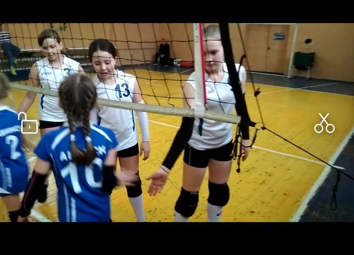 Воспитанницы абинской спортшколы приняли участие в первенстве Северского района по волейболу