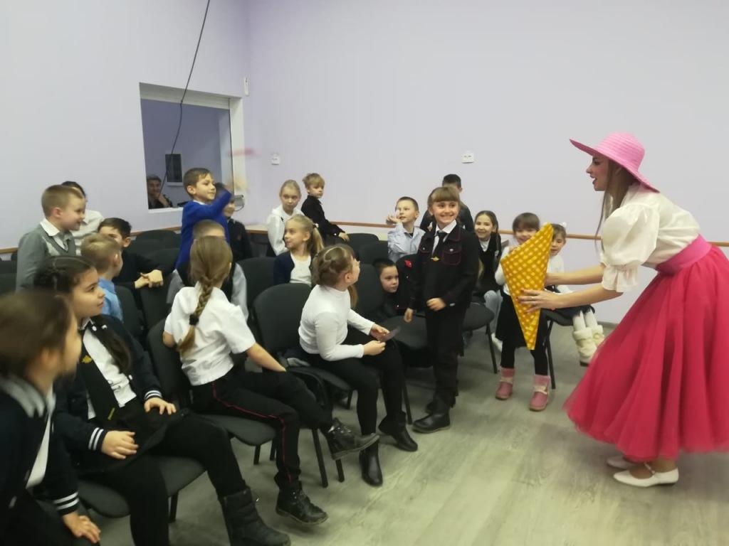Ахтырские школьники отметили Международный день эскимо