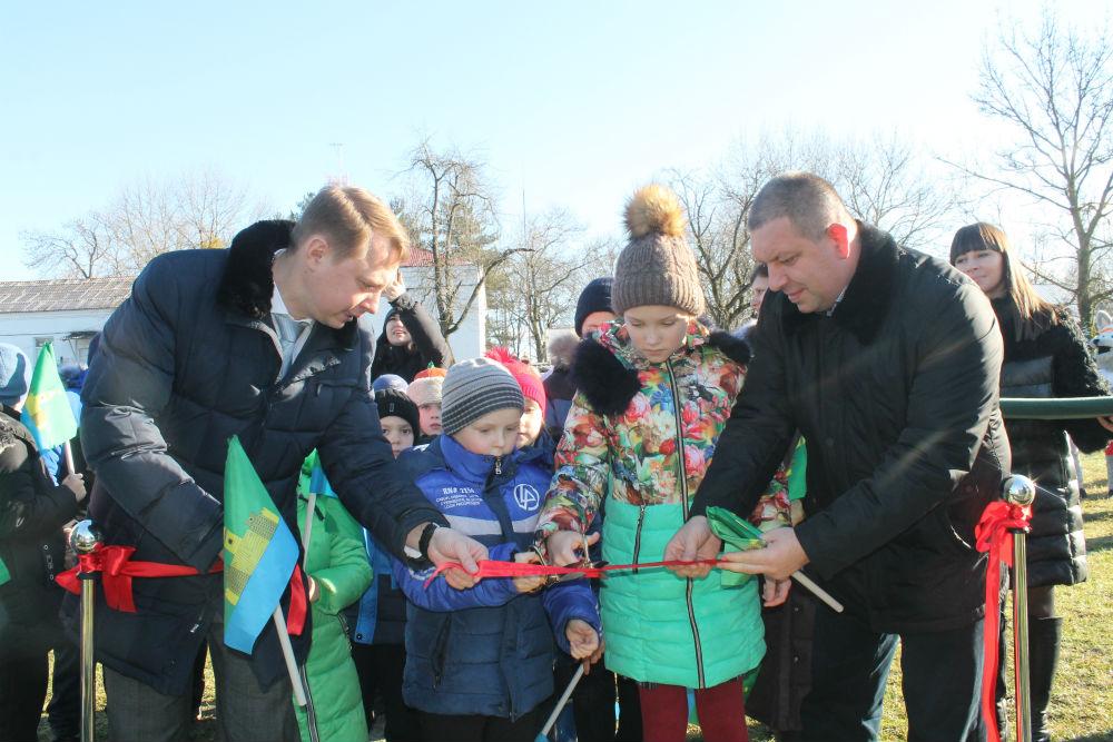 Детская спортивно-игровая площадка появилась на территории школы №7 станицы Шапсугской