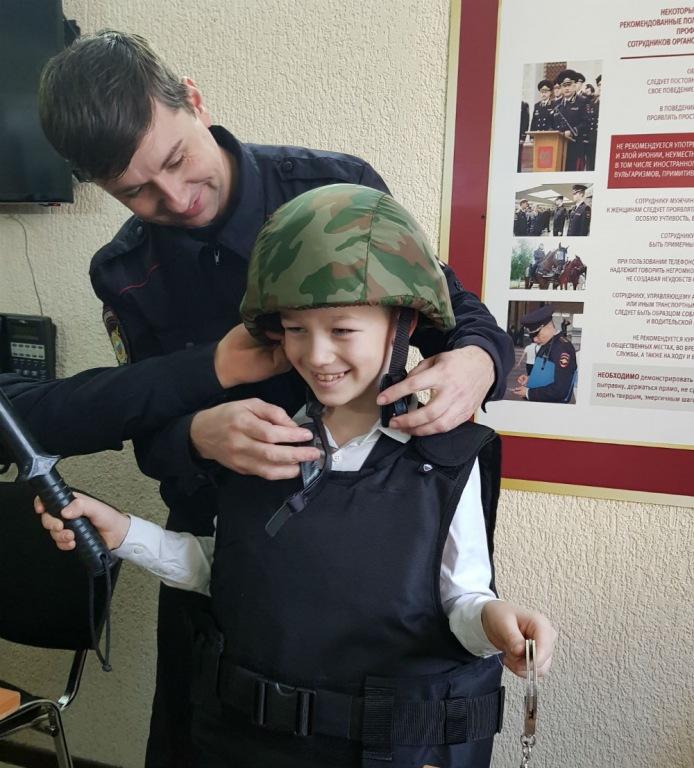 В Абинском районе полицейские и общественники приняли участие в общероссийской акции «Студенческий десант»