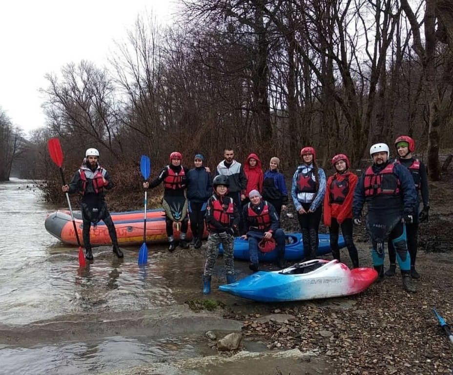 Сплавились по реке Абин